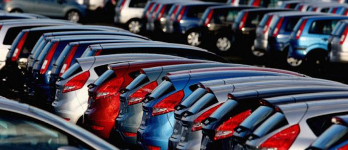 Car Salesman Job Description for Selling at the Dealership
