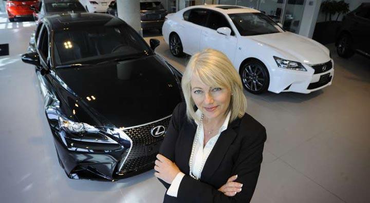 successful car saleswoman